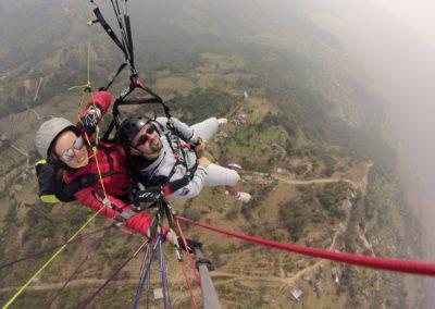Nepál - Pokkhara - Siklóernyőzés